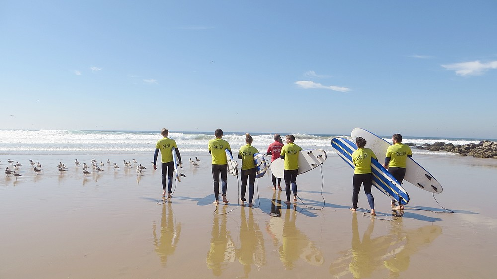 Beginning of a surfing lesson at Costa da Caparica
